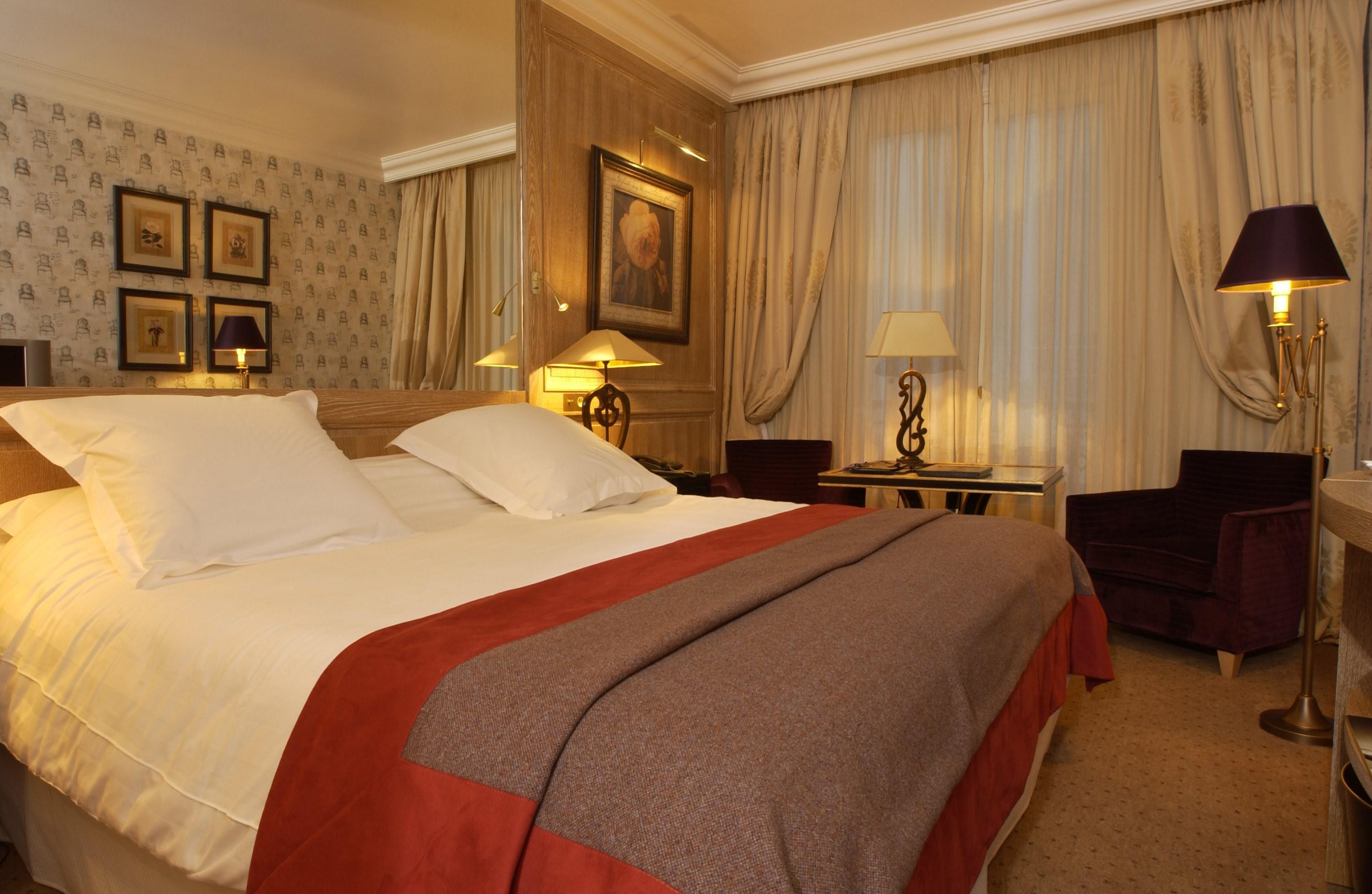 Classic Hotel Rooms Paris Amarante Champs Elys 233 Es France